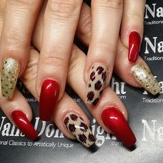 Coffin Nails (Stiletto Nails with square tips) |