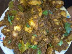 (202) बिना पाणी घालता चिकन च्या अर्कात शिजवलेले जुन्या पद्धतीने केलेले झणझणीत मसाला चिकन spicy chicken - YouTube Indian Chicken, Spicy, Vegetarian, Beef, Dishes, Make It Yourself, Cooking, Youtube