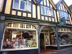 Hunting Raven Books Ltd, Frome, Somerset.