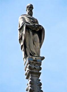 San Gerolamo G73 #AdottaUnaGuglia #GetYourSpire San Girolamo (o Gerolamo) è un Padre della Chiesa che ha posto al centro della sua vita la Bibbia: l'ha tradotta nella lingua latina, l'ha commentata nelle sue opere, e soprattutto si è impegnato a viverla concretamente nella sua lunga esistenza terrena. Bella, Latina, Statues, Statue Of Liberty, Sculpture, Architecture, Travel, Statue Of Liberty Facts, Arquitetura
