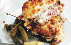 Croque-Monsieur Recipe - - Grilled ham and cheese: nothing to scoff at. But a Croque Monsieur? Baked ham and cheese with velvety béchamel oozing out all over the place: mind-altering. Quiche Lorraine Thermomix, Diner Burger, Slow Cooked Ham, Grilled Ham And Cheese, Sammy, Good Food, Yummy Food, Baked Ham, Quesadillas
