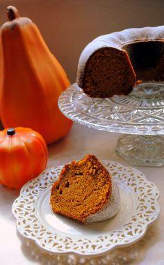 Retro Cake: Pumpkin Spice Bundt Cake