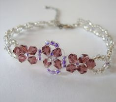 STRAWBERRY BOX: Tutorial: Beaded bracelet with flower detail