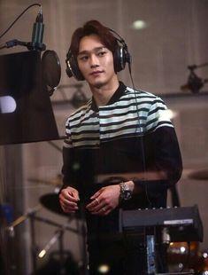 Dispatch Website Update - I am Korea Recording Hyun Kim, Kim Min Seok, K Pop Boy Band, Boy Bands, Kyungsoo, Chanyeol, Exo News, Exo Korea, Xiuchen
