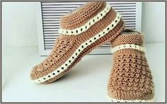 Lace up Shoes 809310995517238939 – Tattos – womenstyle. Knitted Slippers, Knitted Bags, Big Knit Blanket, Big Knits, Damen Sweatshirts, Slipper Boots, Crochet Shoes, Crochet Videos, Market Bag