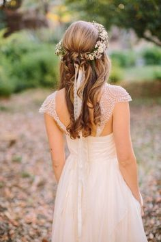 15 Stunning Half Up Half Down Wedding Hairstyles with Tutorial | http://www.deerpearlflowers.com/15-stunning-half-up-half-down-wedding-hairstyles-with-tutorial/ #weddinghairstyles