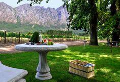 picnic-at-holden-manz. - Franschhoek- 5 minutes from La Clé des Montagnes - 4 luxurious villas on a working wine farm.