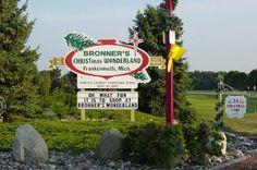 Bronner's Christmas Wonderland   Atlas Obscura