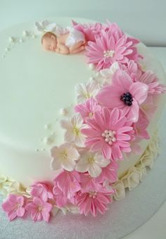 Purppurahelmen juhla- ja  fantasiakakut: Ristiäis kakkua Baby Girl Shower Themes, Baby Shower Princess, Baby Shower Cakes, Cake Decorating Amazing, Christening Cake Girls, Cake Designs For Kids, Jungle Cake, Baby Girl Cakes, Holiday Cupcakes