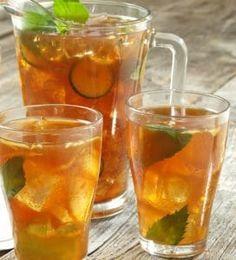 Obnovte váš imunitní systém! Recept na ledový čaj z kurkumy a zázvoru | Moře zpráv Mocktail Drinks, Cocktail And Mocktail, Fruity Cocktails, Alcoholic Drinks, Beverages, Gin And Lemonade, Happy Hour Drinks, Dieta Detox, Fresh Mint Leaves