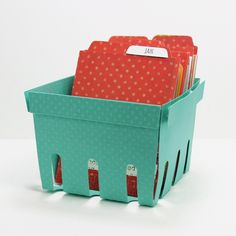 Freebie - Berry Basket Project Life Organizer Template Stampin' Up! Project Life Organization, Basket Organization, Storage Basket, Cool Stuff, Free Stuff, Diy Paper, Paper Crafts, Fruit Packaging, Pretty Packaging