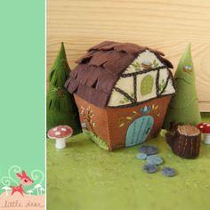 Felt Woodland Cottage Pattern by Little Dear $6 #kitschydigitals