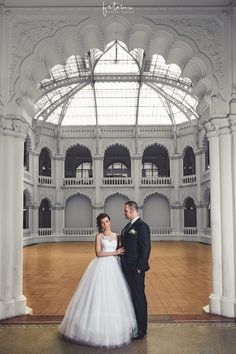 Esküvői fotózás Budapest különleges helyszínén - Esküvői fotós, Esküvői fotózás, fotobese Budapest, Wedding Dresses, Bride Dresses, Bridal Gowns, Weeding Dresses, Wedding Dressses, Bridal Dresses, Wedding Dress, Wedding Gowns
