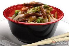 Receita de Yakisoba de carne gourmet - Comida e Receitas