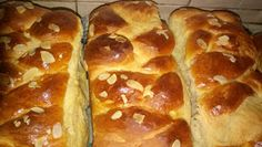 ΜΑΓΕΙΡΙΚΗ ΚΑΙ ΣΥΝΤΑΓΕΣ 2: Τσουρέκια !!! Greek Cookies, Greek Recipes, Hot Dog Buns, Recipies, Food And Drink, Pizza, Bread, Desserts, Knitwear