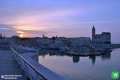 Tramonto sul porto e Cattedrale #Trani #Puglia #Italia #Italy #Viaggiare #Viaggio #Travel #Mare #Sea #Vacanza #Holiday #CittàVecchia #OldCity #ALwaysOnTheRoad #Spiaggia #Beach