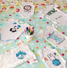 45 New Ideas For Baby Girl Onesies Ideas Shower Gifts Pink Baby Boy, New Baby Girls, Baby Love, Baby Boy Bedding Sets, Baby Crib Diy, Baby Shower Gifts For Boys, Baby Boy Shower, Baby Gifts, Onesie Diy