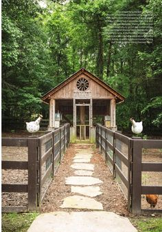 Chicken Coop - Perfect between two horse pastures. Awesome inexpensive chicken coop for backyard ideas 47 Building a chicken coop does not have to be tricky nor does it have to set you back a ton of scratch. Chicken Garden, Backyard Chicken Coops, Chicken Coop Plans, Building A Chicken Coop, Diy Chicken Coop, Chickens Backyard, Backyard Ideas, Backyard Barn, Chicken Feeders