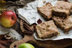 Hľadáte recept na dokonalý jesenný koláč, ktorý vám rozvonia kuchyňu? Tento tradičný jablkový koláč si určite zamilujete! Vyskúšaj ma hneď teraz. :) Banana Bread, Fit, Desserts, Tailgate Desserts, Deserts, Shape, Postres, Dessert, Plated Desserts