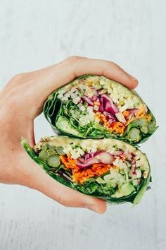 and HEALTHY veggie packed hummus collard wraps.EASY and HEALTHY veggie packed hummus collard wraps. Vegan Lunches, Vegan Foods, Vegan Dishes, Vegan Lunch Healthy, Healthy Hummus, Avocado Hummus, Healthy Wraps, Healthy Eating, Vegan Sandwich Recipes