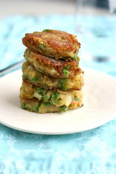 A fried potato patty with Indian spices? Yes, please! Easy to make and so delicious! #vegan