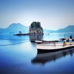 Bluish time, boat ~