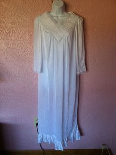 Spotlight Full Length Nightgown Sheer Womans Nightie Size L White USA VTG Sexy #Spotlight #Gowns