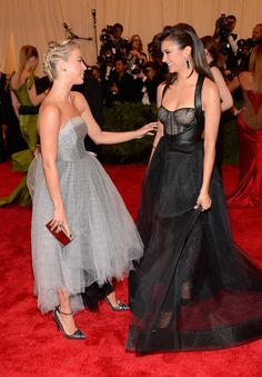 11 Times You Wished You Were Friends With Nina Dobrev and Julianne Hough