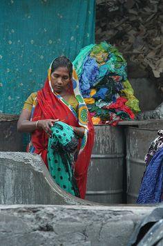 INDIA - Dhobi Walli (washer woman)
