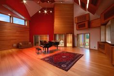 Luxury home recording studios are exclusive amenities. For many musicians and producers, a home recording studio can be rewarding. Studio Room Design, Music Studio Room, Sound Studio, Studio Setup, Studio Ideas, Teen Boy Rooms, Rehearsal Studios, Sound Room, Studio Build