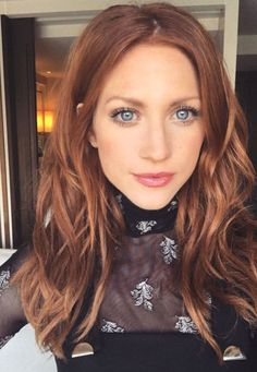 50 Red Hair Color Ideas in From ginger to gem tones, red is dependably a striking decision. And keeping in mind that it may be a major change, a few specialists anticipate we'll., Red Hair Color 2019 50 Red Hair Color Ideas in 2019 Color Cobrizo, Brown Blonde Hair, Brown To Red Hair, Fall Red Hair, Dark Strawberry Blonde Hair, Red Hair Blue Eyes, Natural Red Hair, Auburn Hair With Blonde, Balayage On Red Hair