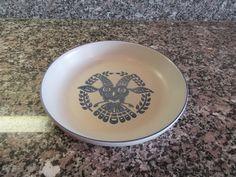 Vintage Pfaltzgraff Distlefink Bird pie plate- Yorktowne pattern- gray and cobalt blue stoneware by HeathersCollectibles on Etsy