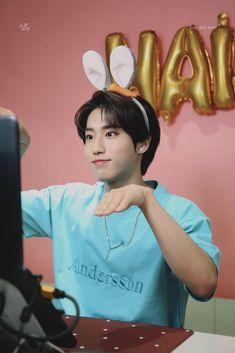 Fandom, Rapper, Kids Diary, Baby Squirrel, Kids Wallpaper, Ji Sung, Lee Know, Kids Videos, Korean Boy Bands