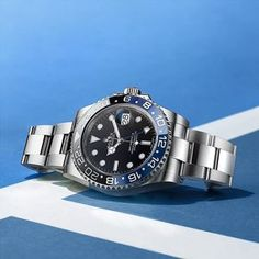 On the courts of the Australian Open Tennis Championships, white lines clearly delimit the playing field. A similar sharp distinction is… Tennis Photography, Watches Photography, Luxury Watches, Rolex Watches, Sport Watches, Watches For Men, Rolex Gmt Master 2, Australian Open Tennis, Argent Paypal