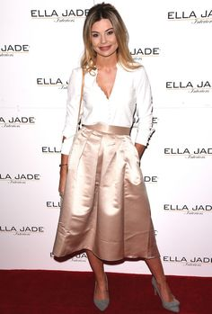 Georgia 'Toff' Toffolo attends Ella Jade's 'Chair Your Wish' launch at Whiteleys, Queensway, London - December 2015 Made In Chelsea, 2000s Fashion, Dimples, Looking For Women, Role Models, Night Out, Georgia, Midi Skirt, Ready To Wear