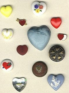 SOLD: Heart pattern buttons vintage buttons