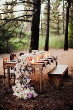 16 DIY Wedding Table Runner IdeasConfetti Daydreams – Wedding Blog