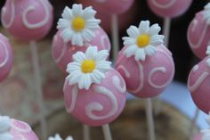 Cake Pops from a Garden Party #gardenparty #cakepops