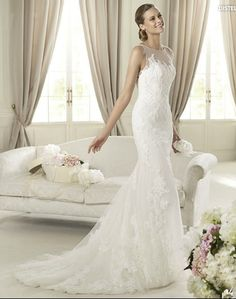 Pronovias Wedding dress Tulle mermaid style gown with soutage lace