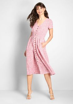 This pink midi dress from our ModCloth namesake label captures a creative flair with its short sleeves on either side of a V-neckline, a cascade of. Casual Bridesmaid Dresses, Casual Dresses, Fashion Dresses, Dresses Dresses, Green Midi Dress, Floral Midi Dress, Floral Dresses, Pink Dress, Retro Outfits