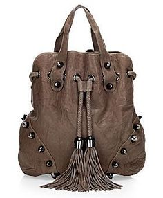 What a fabulous bag! This summer, Thomas Wylde or better to say Paula Thomas, the woman who stands behind her brand, surprises me with som. Thomas Wylde, Little Fashion, Diva Fashion, Cleopatra, Fashion Pictures, Purses And Handbags, Bucket Bag, Brown Leather, Fashion Accessories