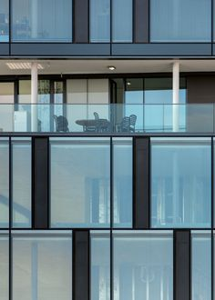 Image 6 of 14 from gallery of Cattaneo / Holzer Kobler Architekturen. Photograph by Jan Bitter Hospital Architecture, Office Building Architecture, Arch Building, Glass Building, Building Exterior, Building Facade, Facade Architecture, Facade Pattern, Glass Curtain Wall