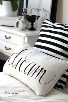 <3  Cottage Charm ~ black and white