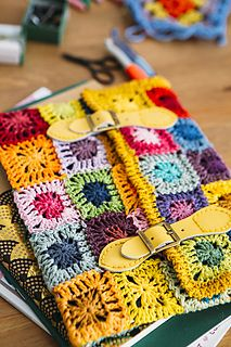 Gadget cosy by Helda Panagary Inside Crochet issue 75 Image by Leanne Dixon