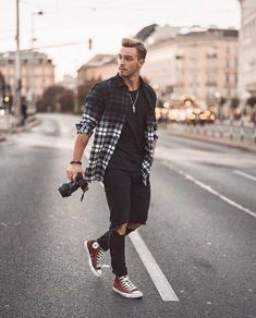 best of mens fashion classy gentleman style mens fashion casual summer Style Gentleman, Gentleman Mode, Rugged Style, Style Men, Men's Style, Streetwear Mode, Streetwear Fashion, Men Looks, Best Mens Fashion