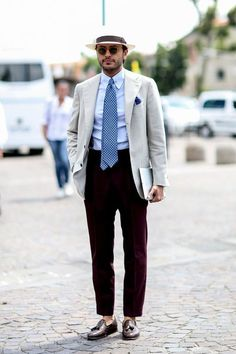 High waisted trousers with tasselled shoes and Panama hat. Very stylish. The Sartorialist, Street Style 2014, Style Masculin, Man About Town, Smart Outfit, Mens Attire, Gentleman Style, Business Fashion, Timeless Fashion