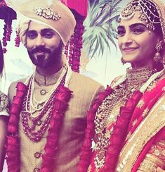 May Meet the newly wed couple, Sonam Kapoor and Anand Ahuja. are just aww-dorable❤️ Sonam Kapoor's Wedding, Indian Wedding Jewellery, Indian Groom. Indian Wedding Fashion, Indian Wedding Jewelry, Big Fat Indian Wedding, Indian Bridal, Indian Weddings, Wedding Mandap, Garland Wedding, Wedding Decor, Indian Celebrities