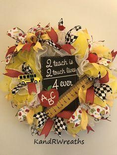 by KandRWreaths on Etsy School Wreaths, Teacher Wreaths, School Decorations, School Themes, September Decorations, Teacher Appreciation Gifts, Teacher Gifts, Classroom Wreath, Classroom Decor