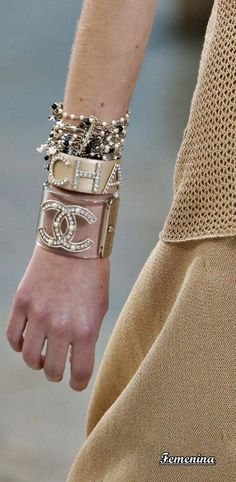 89a9ec99d45 Chanel Spring Summer 2019 RTW -Details  jewelry  Chanelhandbags Coco Chanel  Fashion