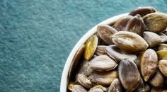 seminte-dovleac Stuffed Mushrooms, Beans, Vegetables, Food, Stuff Mushrooms, Essen, Vegetable Recipes, Meals, Yemek